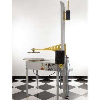 Owijarka do paczek i kartonów WP800 z dociskiem pneumatycznym z regulacją obrotów od 0 -25obr/min